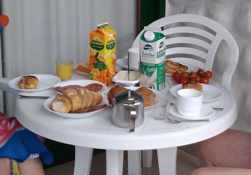 Frukost på terrassen